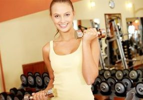 girl-with-dumbbells
